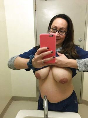 teacher nude selfie