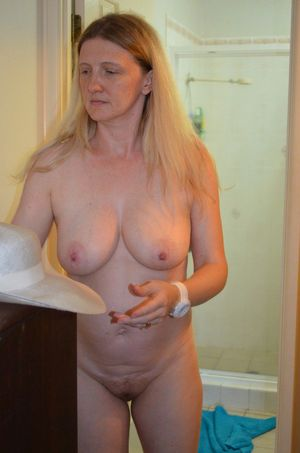 naked milf hairy pussy