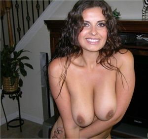 nude hispanic moms