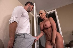 alena croft - the mommy market