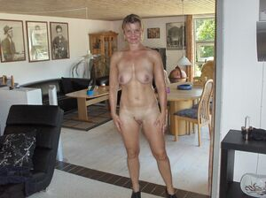 nude mature wife pics
