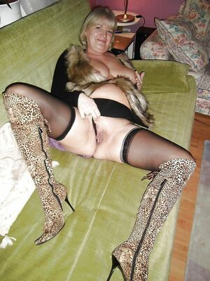 milf nude pictures