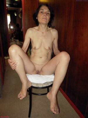 mature latina naked