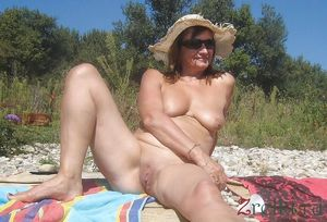 mature nude ladies