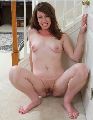 milf showing pussy