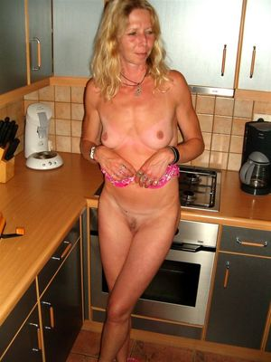 naked mature wife pictures
