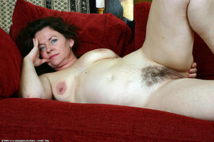 hairy milf spread