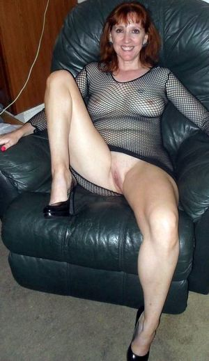 amateur milf exhibitionist