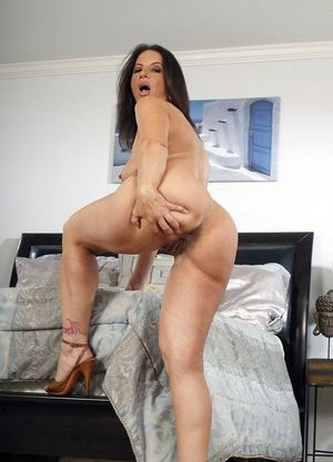 milf ass and pussy
