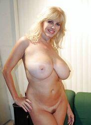 Nude sexy milf MILF Gifs